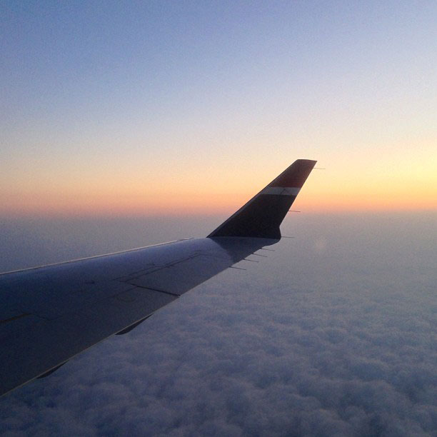 photo of airplane wing by fangmarks